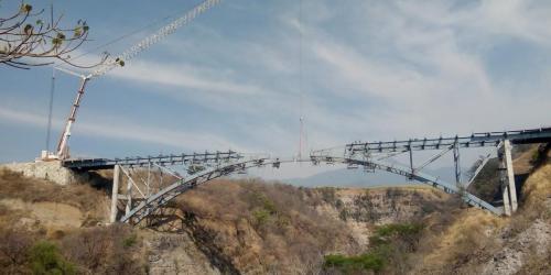 Puente en autopista guadalajara colima