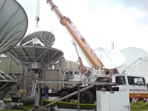 Montaje de antenas parabolicas
